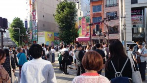 西武新宿横断j歩道