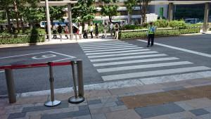 八重洲バス乗り場 横断歩道