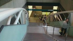 京葉線 改札階段