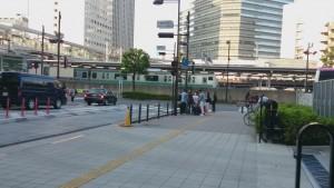 大崎バス停 左に回り込む